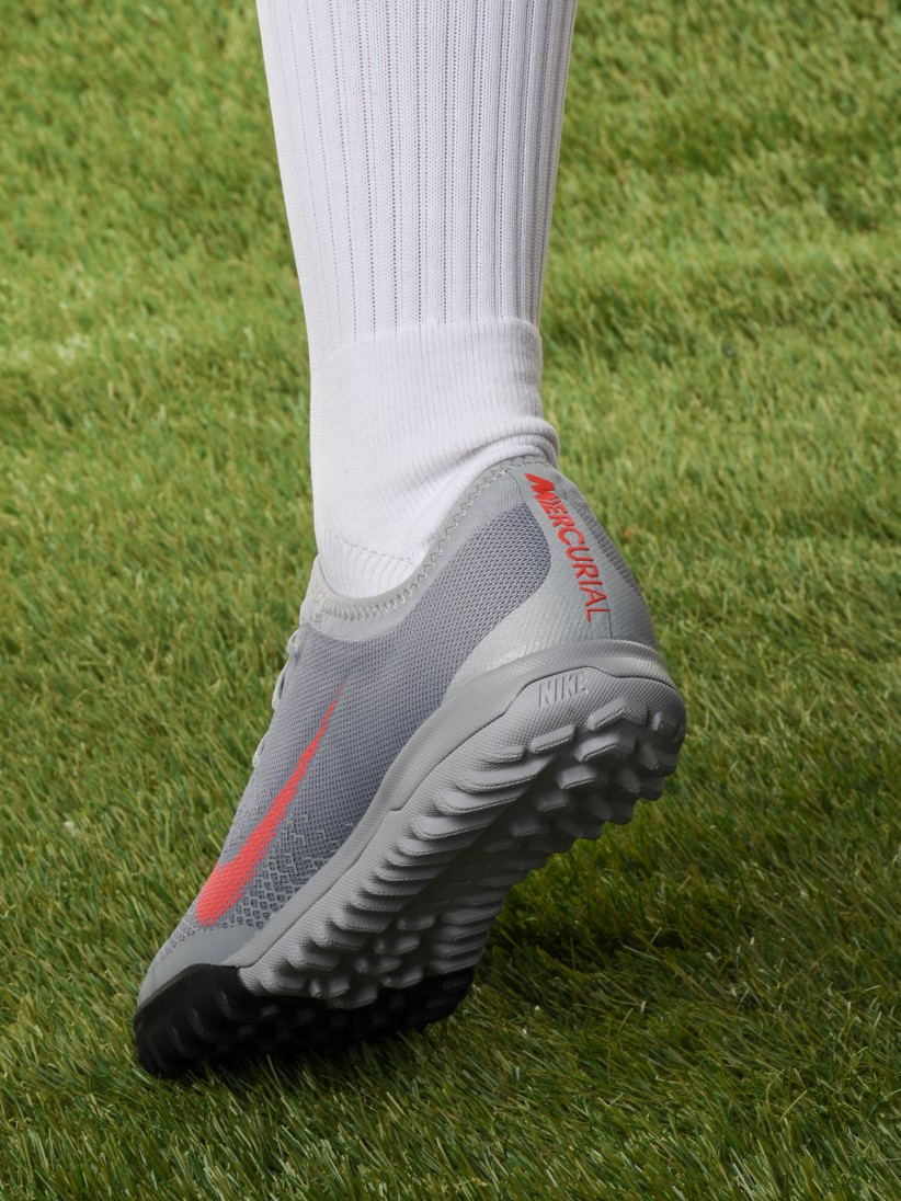 new concept c5d8f 50b60 Nike MercurialX Vapor XII Pro TF Shoes