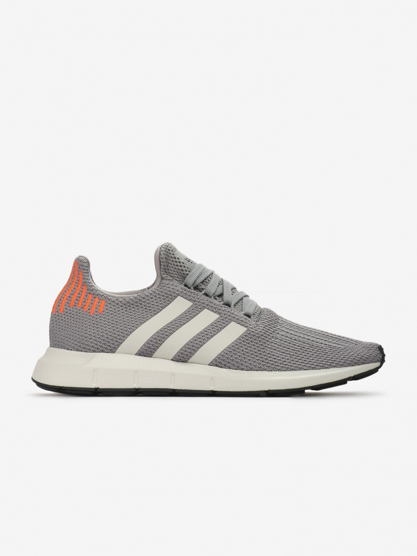 low priced 7bede b7454 Sapatilhas Adidas Swift Run